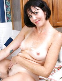 Totally nude housewife shows..